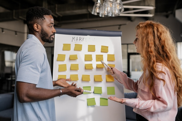 Communication strategy in project management